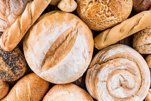 Quadro completo de pães recém-assados