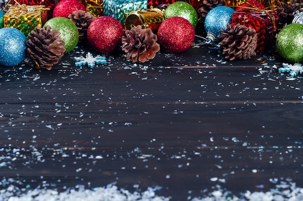 Quadro de brinquedos de natal e árvore