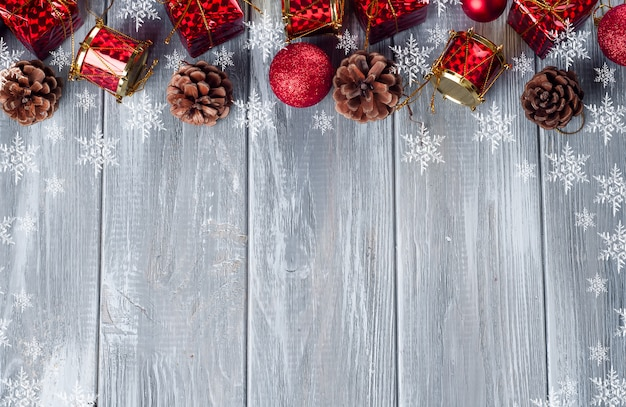 Quadro de brinquedos de natal vermelho e árvore