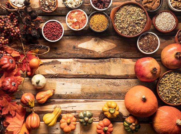 Quadro de comida de outono circular de vista superior