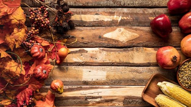Quadro de comida de vista superior com frutas e grãos