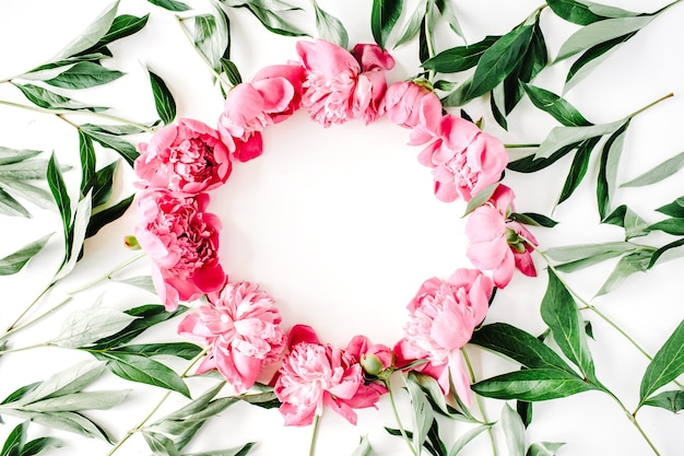 Quadro de coroa de peônias rosa