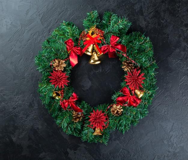 Quadro de férias de decorações de natal em concreto estuque escuro