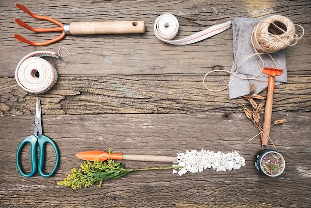 Quadro de ferramentas de jardinagem vista superior