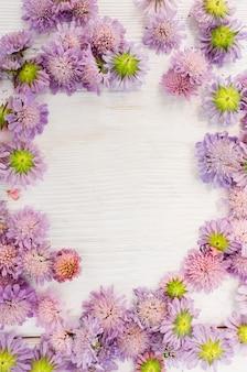 Quadro de flores de verão em branco