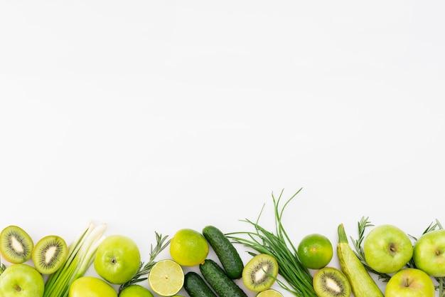 Quadro de frutas de vista superior com espaço para texto