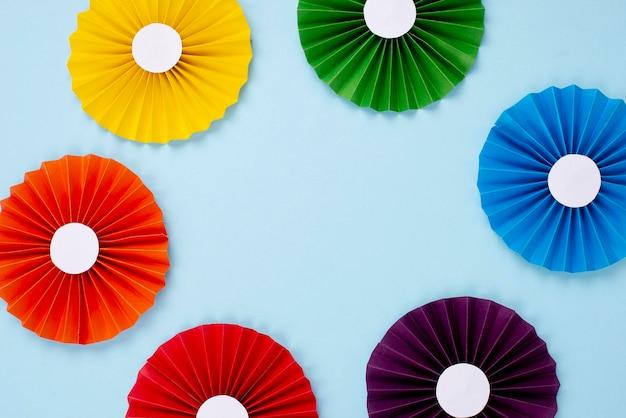 Quadro de origami de papel de arco-íris