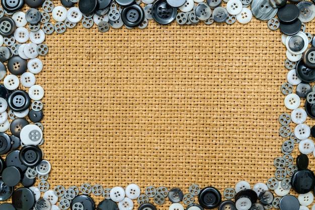 Quadro de superfície de botão ainda vida com espaço para texto.