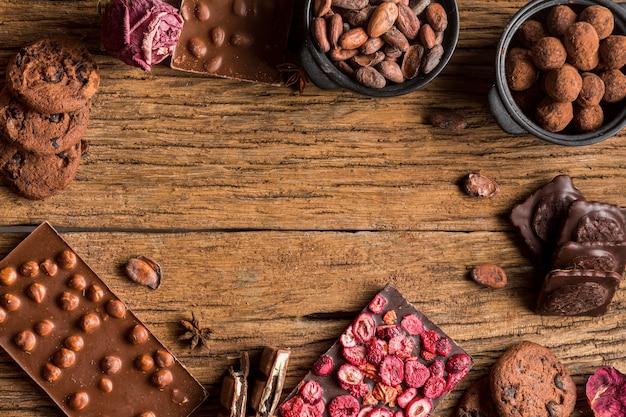 Quadro de vista superior da variedade de chocolate