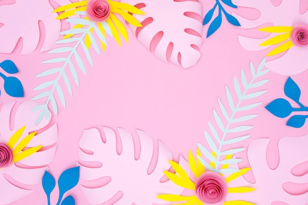 Quadro de vista superior de flores coloridas e folhas