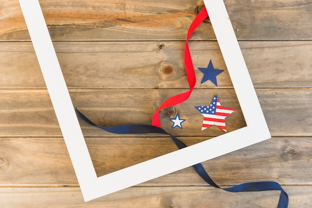 Quadro e estrelas americanas com fitas