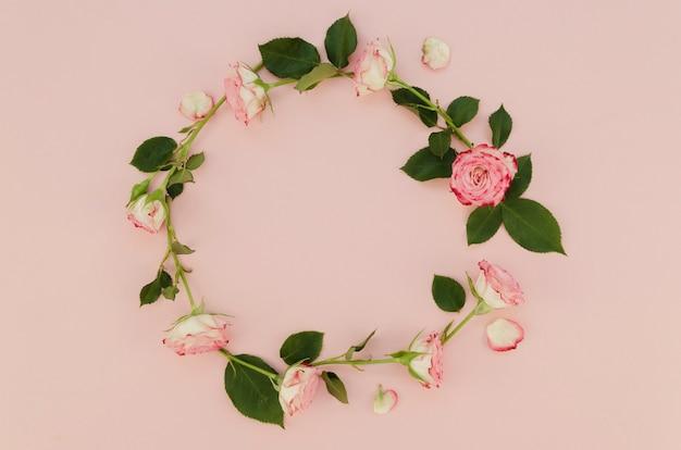 Quadro floral redondo com espaço de cópia