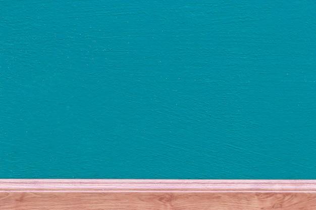 Quadro-negro azul marinho e madeira marrom