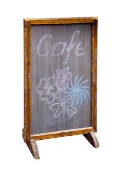 Quadro negro de menu em pé de madeira com placa de café isolada no branco