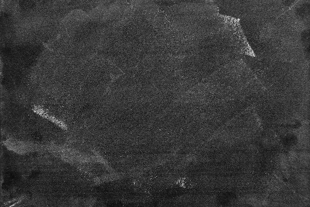 Quadro-negro escuro ou lousa com horizontal e banner / textura de lousa em branco para giz desenhar e escrever a educação no quadro de escola