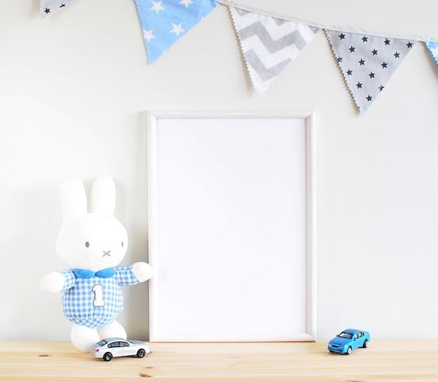 Quadro para arte de berçário, brinquedos e bandeiras azuis.