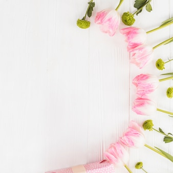 Quadro pastel com tulipas