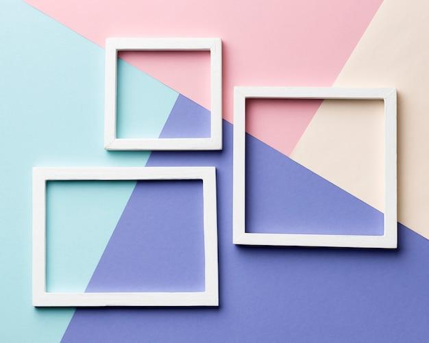 Quadros de vista acima em fundo colorido