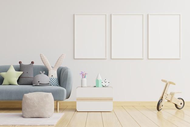 Quadros em branco no interior do quarto infantil na parede de cor branca vazia
