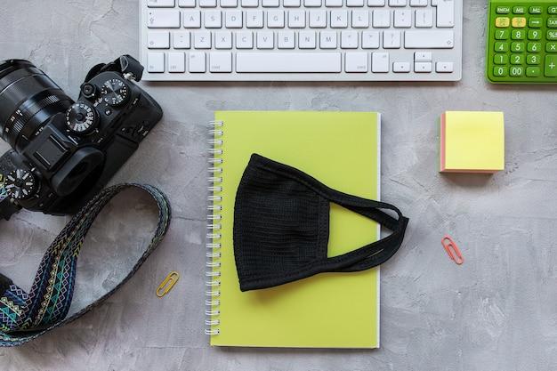 Quarentena de fotógrafo freelance quarentena conceito de home office