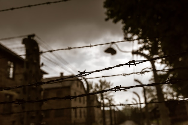 Quartel e cerca, campo de extermínio alemão de auschwitz ii