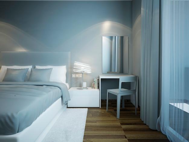 Quarto azul claro com armário e cama forrada com travesseiros azuis e brancos