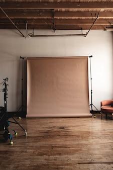 Quarto estúdio vazio de madeira vintage