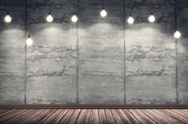 Quarto interior com parede de cimento sujo e piso de tábua de madeira.