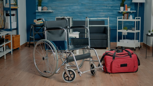 Quarto vazio do lar de idosos na instalação para reabilitação
