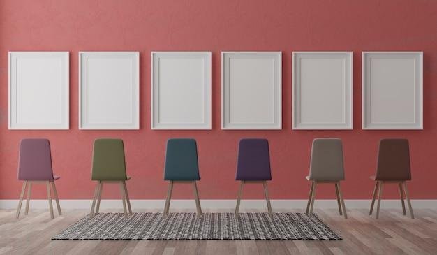 Quatro molduras brancas verticais e cadeiras na parede vermelha