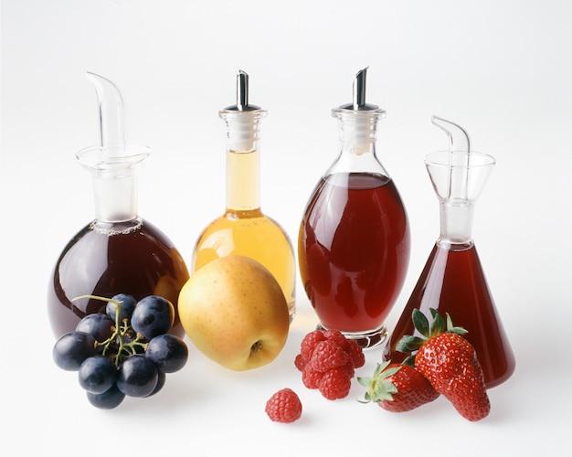 Quatro vinagres de frutas
