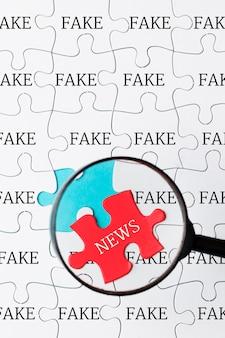 Quebra-cabeça com notícias falsas