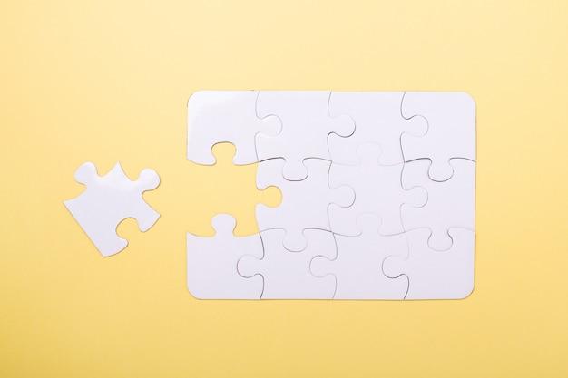 Quebra-cabeça de última peça quebra-cabeça branca