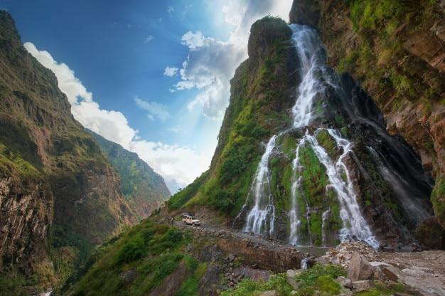 Queda de água no nepal