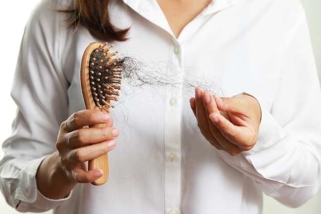 Queda de cabelo, queda de cabelo, calvície, doenças do couro cabeludo