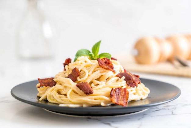 Queijo creme de espaguete com bacon