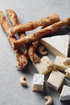 Queijo e palitos de queijo