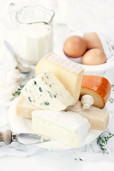 Queijo, ovos e leite