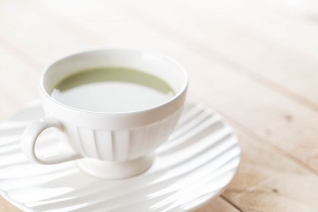 Quente matcha latte