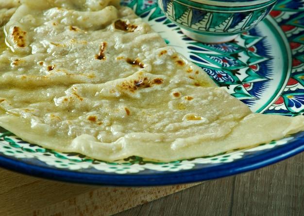 Qutab - pastelaria de carne assada do uzbeque.