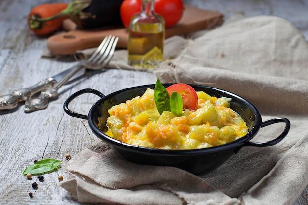 Ragout vegetal com abobrinha, cenoura, batata