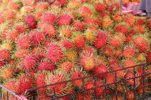 Rambutan na comida de rua