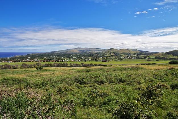 Rapa nui. a vista na paisagem da ilha de páscoa, chile