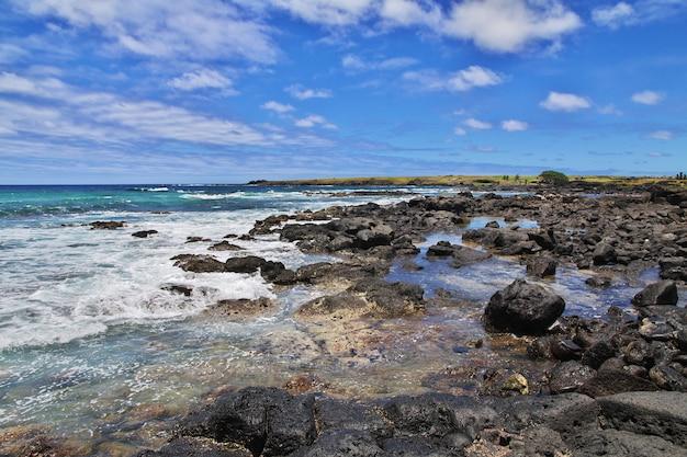 Rapa nui. a vista sobre o oceano pacífico na ilha de páscoa, chile