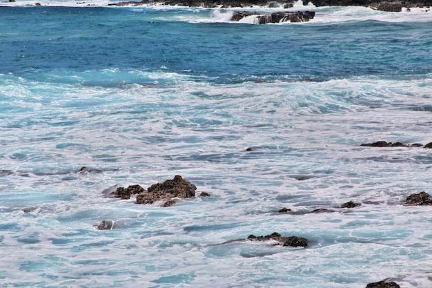 Rapa nui. vista no oceano pacífico na ilha de páscoa, chile