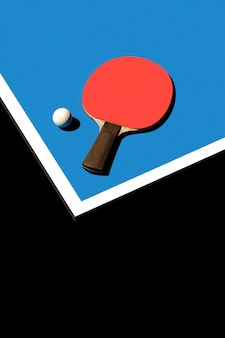 Raquete de tênis de mesa ou ping pong e cartaz de torneio de bola design ilustração 3d