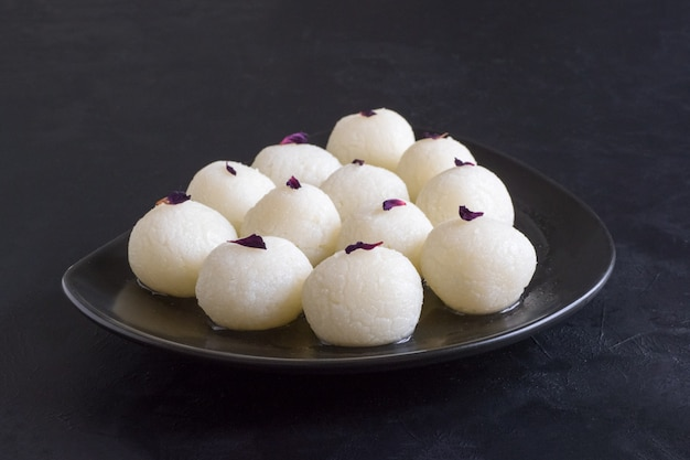 Rasgulla doce tradicional indiana
