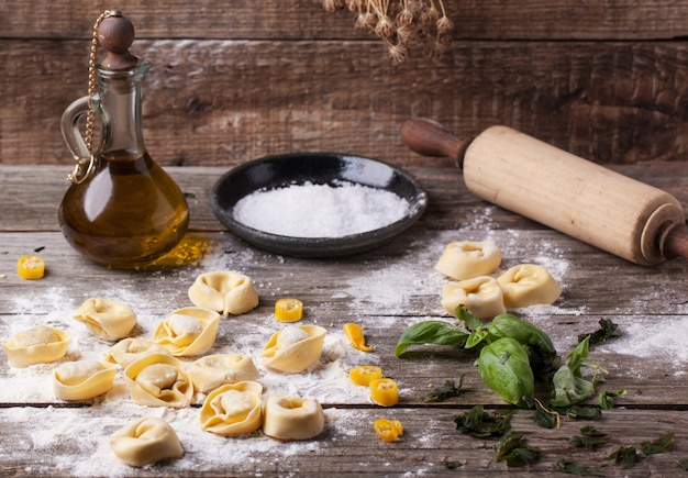 Ravioli de massa com farinha