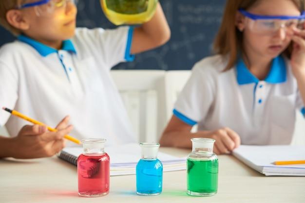 Reagentes coloridos