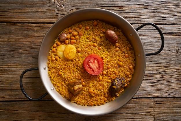 Receita de paella de arroz cozido da espanha